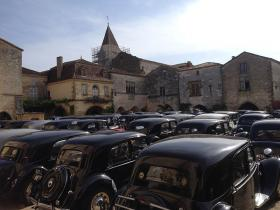 Monpazier voitures anciennes