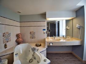 sdb n° 2 -2 - Hotel Edward 1er - Monpazier - Dordogne -France