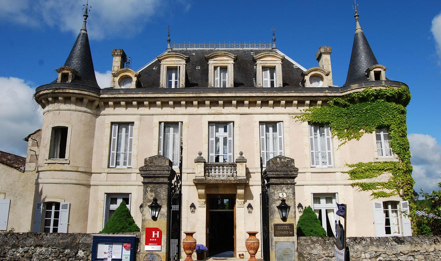 1-Facade-Hotel-Edward1er-Dordogne_
